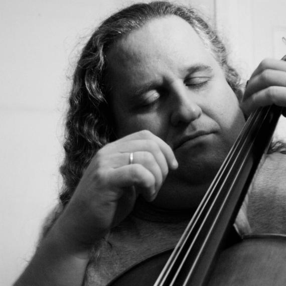 cellist-in-love